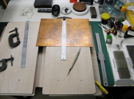 3 銅版切り作業台台.jpg